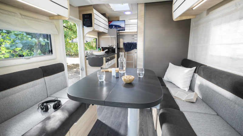Chausson 644 First Line